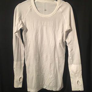 Lululemon Woman's long sleeve shirt